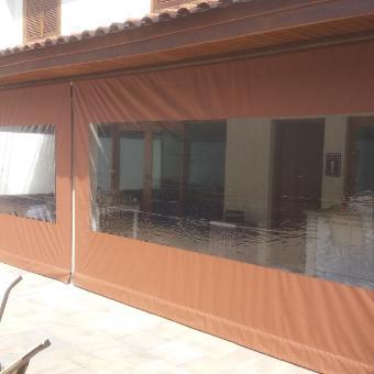 Cortinas Rolon para Área Externa de Bares, Restaurantes e Residencias.